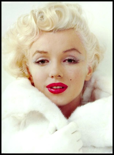 Marilyn Monroe White Fur Red Lips