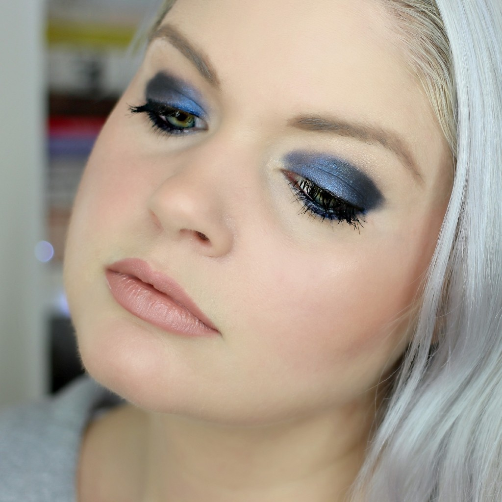 Navy Glam Makeup Look - EverydayStarlet.com @SarahBlodgett