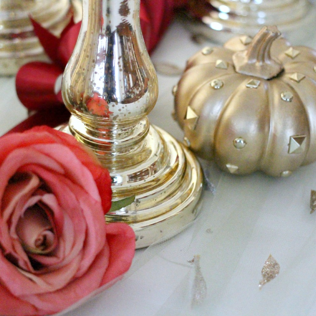 Valentino Inspired Thanksgiving Tablescape - EverydayStarlet.com @SarahBlodgett