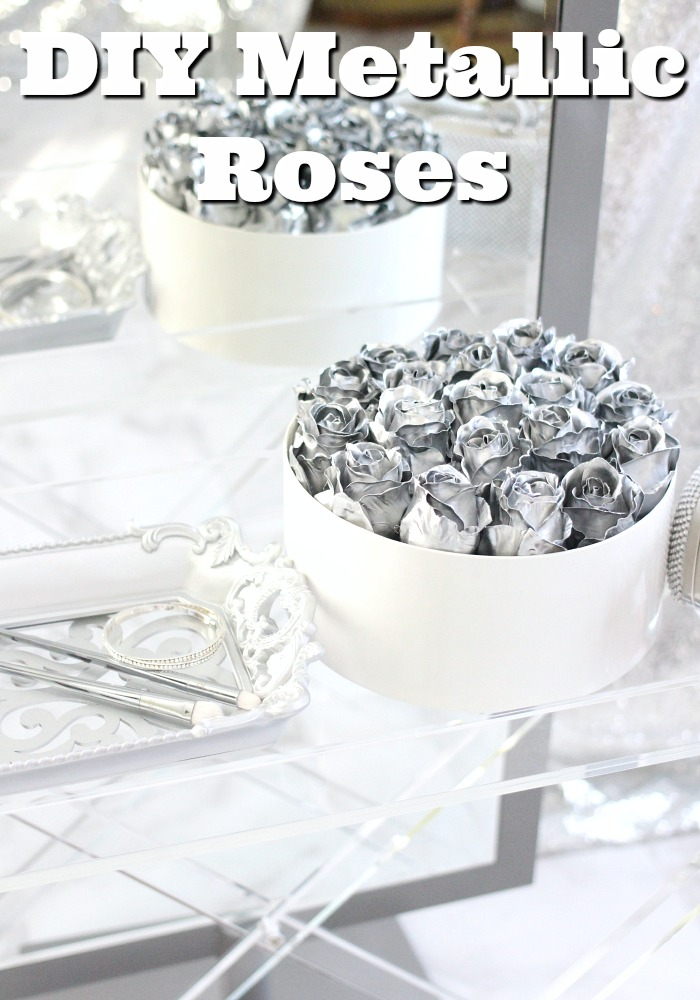 DIY Instagram Roses, Million Roses, Beautiful Roses, Roses In A Box, DIY Flowers, DIY Wedding Flowers, DIY Flower Bouquet, DIY Rose, DIY Flower Arrangement, DIY Wedding Centerpieces, DIY Centerpieces, Flowers Instagram, Flower Instagram, Instagram Flower, Gold Roses, Million Roses DIY, How to Spray Paint Roses, How to Spray Paint Roses Gold, How to Spray Paint Artificial Flowers, Gold Roses That Last a Year, Everyday Starlet,