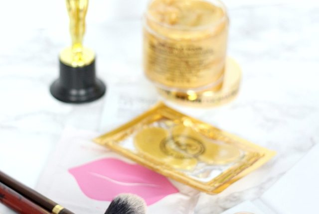 Get Ready with Me, Get Ready with Me Makeup, GRWM Oscars, Get Ready with Me Oscars, Peter Thomas Roth Gold Mask, Lip Plumping Mask, Collagen Lip Mask, Lip Mask Review, Emma Stone Lip Mask, KNC Beauty Lip Mask, Dermarche Labs, Oscar Makeup, Oscar Makeup Tutorial, Oscars Makeup Tutorial, How to Win an Oscar, How to Win an Academy Award, 10 Ways to Win an Oscar,10 Ways to Win an Academy Award, Oscars 2018, Academy Awards 2018, Skin Care Review, Skin Care Reviews, Anti Aging Skin Care, Best Skin Care Tips, Gold Facial, Gold Facial at home, Gold Facial at Home Step by Step, Gold Facial Mask, Dermarche Labs Roloxin Lift, Gold Eye Mask Collagen, Everyday Starlet, Sarah Blodgett,